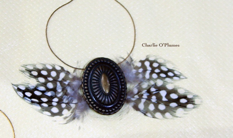 collier plume fait main unique oplumes