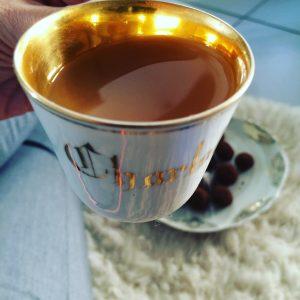 Le parfait goûter ! Merci à ma marraine pour cette tasse magique :)