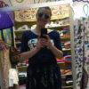 Ce soir-là, j'ai fait les boutiques avec une copine et j'avais toujours le smile greffé sur la tronche