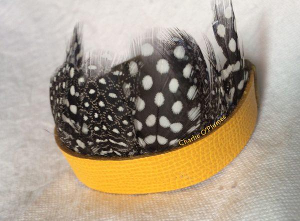 bracelet manchete oplumes jaune cuir plumes pintade